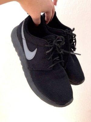 Nike Roshe Run Schwarz grau Gr. 37.5