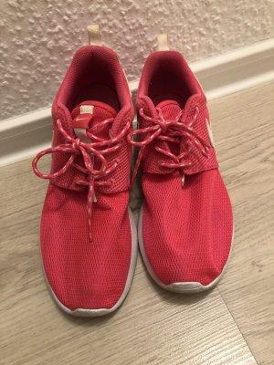 Nike Roshe Run Sneaker (Größe 38)