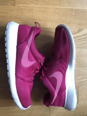 Nike Roshe Run Sneaker  Sportschuhe Größe 38,5 Uk 5.5