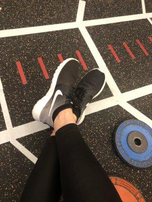 NIKE ROSHE RUN Sneakers Laufschuhe Sportschuhe 36,5 schwarz weiß