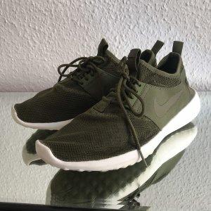 NIKE Roshe Running Shoe (24,5cm // Gr. 39)