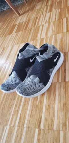 Nike Run Natural