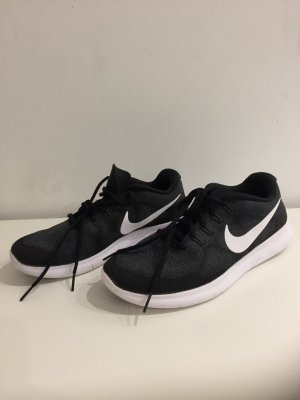 NIKE Running - Free & Flexible in 42,5