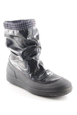 Nike Schlüpf-Stiefeletten schwarz extravaganter Stil