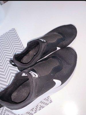 Nike Sneaker slip-on nero-bianco