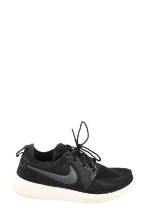 Nike Schlüpfsneaker schwarz-weiß Casual-Look