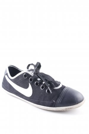 Nike Schnürschuhe schwarz-silberfarben Casual-Look