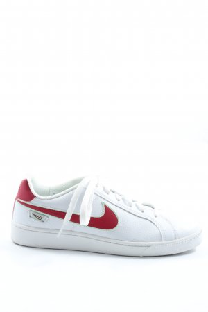 Nike Lace-Up Sneaker white-red casual look