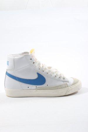 Nike Schnürsneaker weiß-blau Schriftzug gedruckt Casual-Look