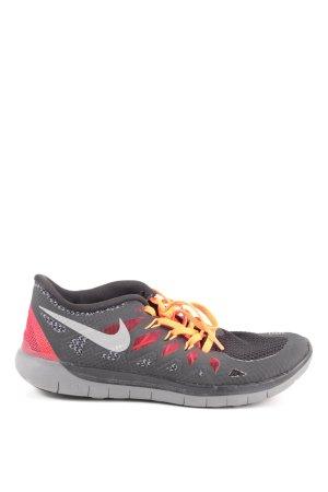 Nike Schnürsneaker hellgrau-rot Casual-Look
