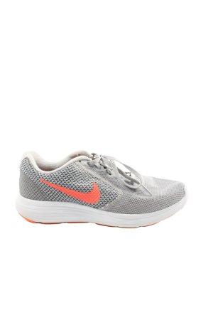 Nike Schnürsneaker hellgrau-hellorange sportlicher Stil