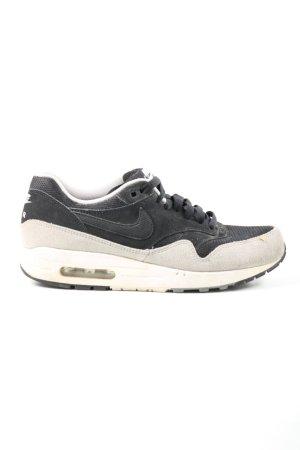 Nike Schnürsneaker schwarz-wollweiß Casual-Look