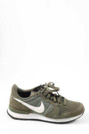 Nike Schnürsneaker khaki-weiß Casual-Look