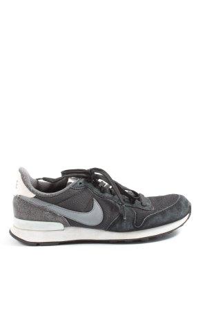 Nike Schnürsneaker schwarz-hellgrau sportlicher Stil
