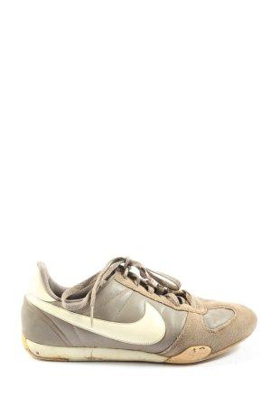 Nike Schnürsneaker braun-weiß Casual-Look