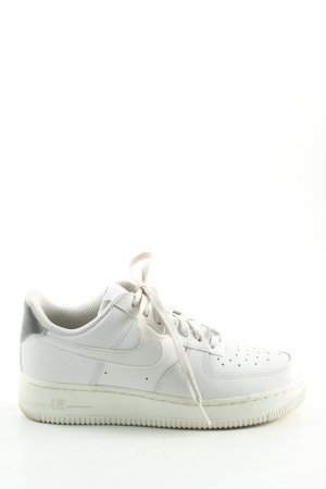 Nike Lace-Up Sneaker white casual look