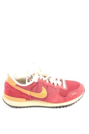 Nike Schnürsneaker rot-hellorange sportlicher Stil