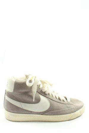 Nike Schnürsneaker weiß-hellgrau sportlicher Stil
