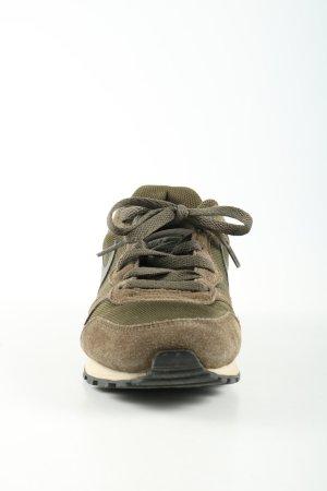 Nike Schnürsneaker braun-khaki Casual-Look
