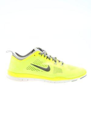 Nike Schnürsneaker blassgelb sportlicher Stil