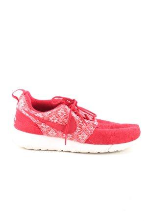 Nike Schnürsneaker rot-weiß grafisches Muster sportlicher Stil