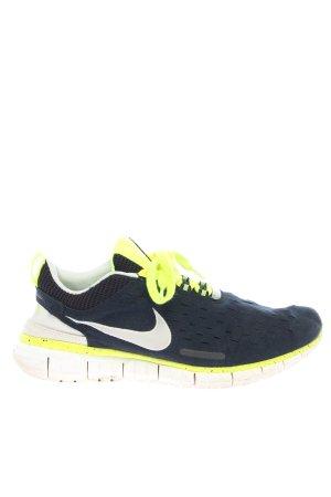 Nike Schnürsneaker schwarz-grün Casual-Look