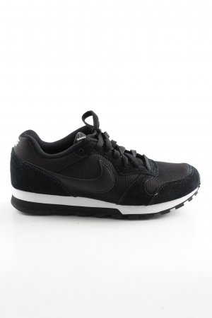 Nike Lace-Up Sneaker black casual look