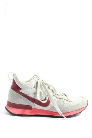 Nike Schnürsneaker hellgrau-rot sportlicher Stil