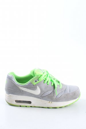 Nike Schnürsneaker hellgrau-grün sportlicher Stil