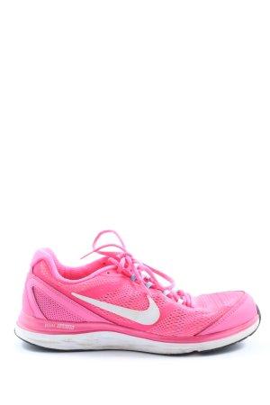 Nike Schnürsneaker pink Street-Fashion-Look