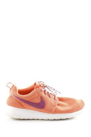 Nike Schnürsneaker hellorange-lila Casual-Look