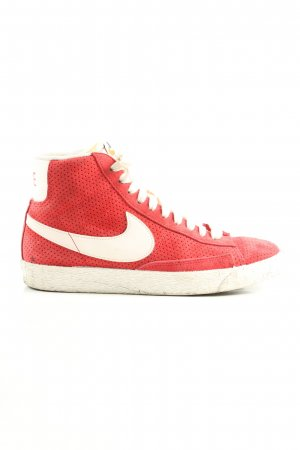 Nike Schnürsneaker rot-wollweiß Casual-Look