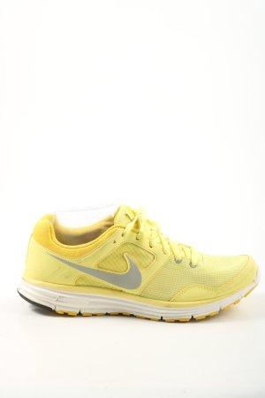 Nike Schnürsneaker blassgelb Motivdruck Casual-Look