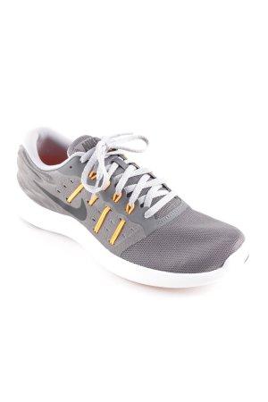Nike Schnürsneaker grau-neonorange sportlicher Stil