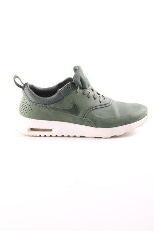 Nike Schnürsneaker grün-weiß Casual-Look