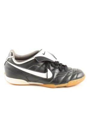 Nike Schnürsneaker schwarz-weiß Steppmuster Casual-Look