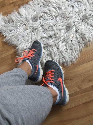 Nike Lace-Up Sneaker silver-colored-neon orange