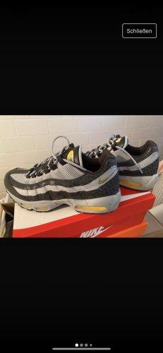 Nike Schuhe 40.5 Größe