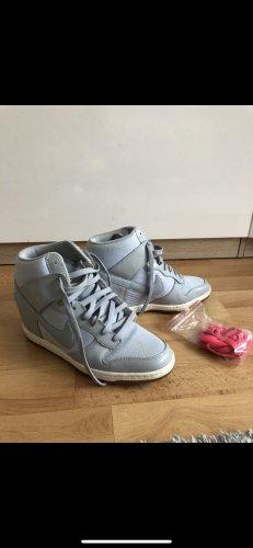 Nike Schuhe 40