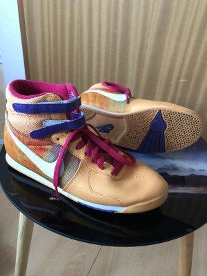 Nike Schuhe Bunt 38,5