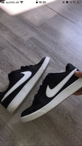Nike Wedge Sneaker black-white
