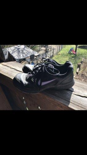 Nike Lace-Up Sneaker black-purple