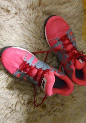 Nike Schuhe einmal getragen