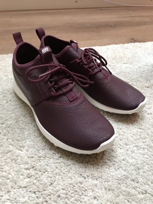 Nike Lace-Up Sneaker bordeaux-white leather
