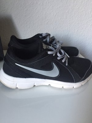 Nike Schuhe Flex Experience RN2