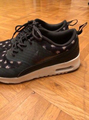 Nike Schuhe *getigert* Gr. 37,5