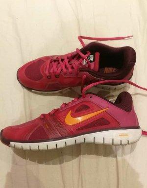 Nike Schuhe Gr. 36,5