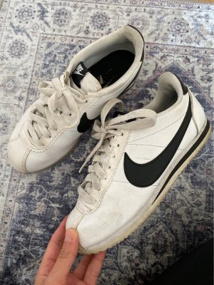Nike Schuhe Gr. 36