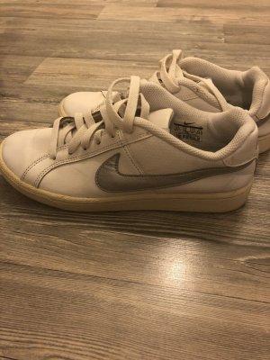 Nike Schuhe gr.37,5
