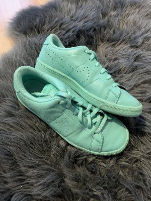 Nike Schuhe Gr 37